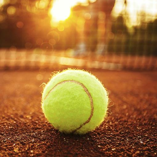 tennis buiten-vierkant.jpg
